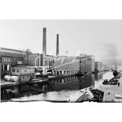 Bedrijven lang de Nieuwekanaal
