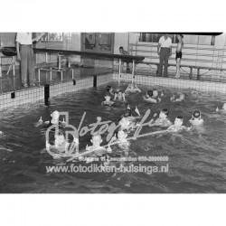 Binnenfoto van zwemles in...